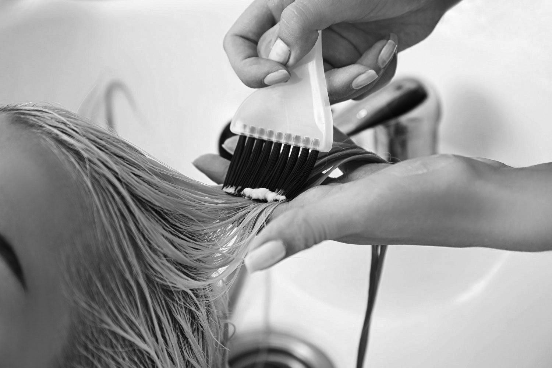 vernis gloss pour les cheveux